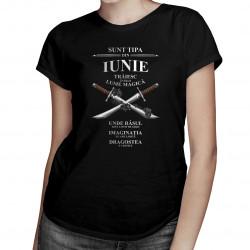 Sunt tipa din iunie. Trăiesc într-o lume magică - T-shirt pentru femei